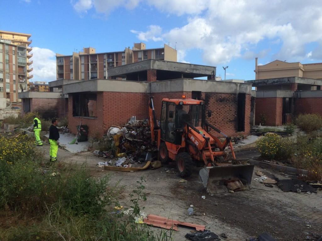 sperone demolizione scuola vecchia