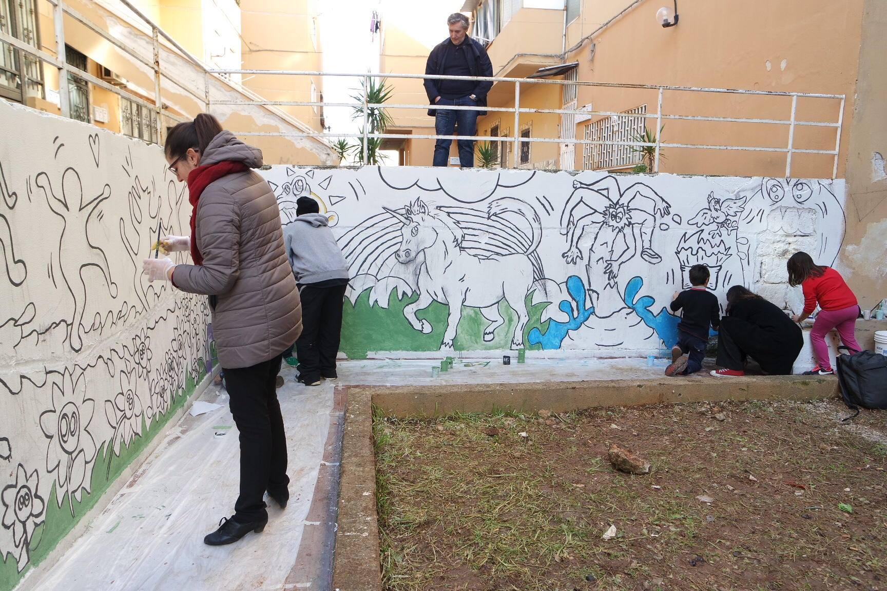 Murales allo zen grazie ai disegni dei bambini zoom for Disegni sui muri di casa