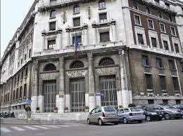 Il palazzo dell'Agenzia delle Entrate in via Manin