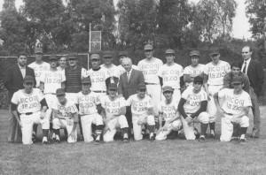 Glorioso (il primo a sinistra in ginocchio) e la Incom Lazio 1971