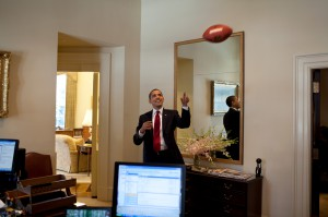 obama_playing_with_a_football_in_the_west_wing