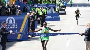 Il kenyano Geoffrey Mutai corre nel 2011 la maratona più veloce di sempre