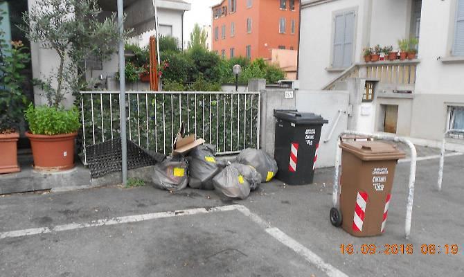1474278300310.jpg--rifiuti__5_multe_in_via_venezia_