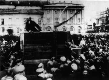 Lenin_addressing_the_troops_-_May_5_1920_-_Altered