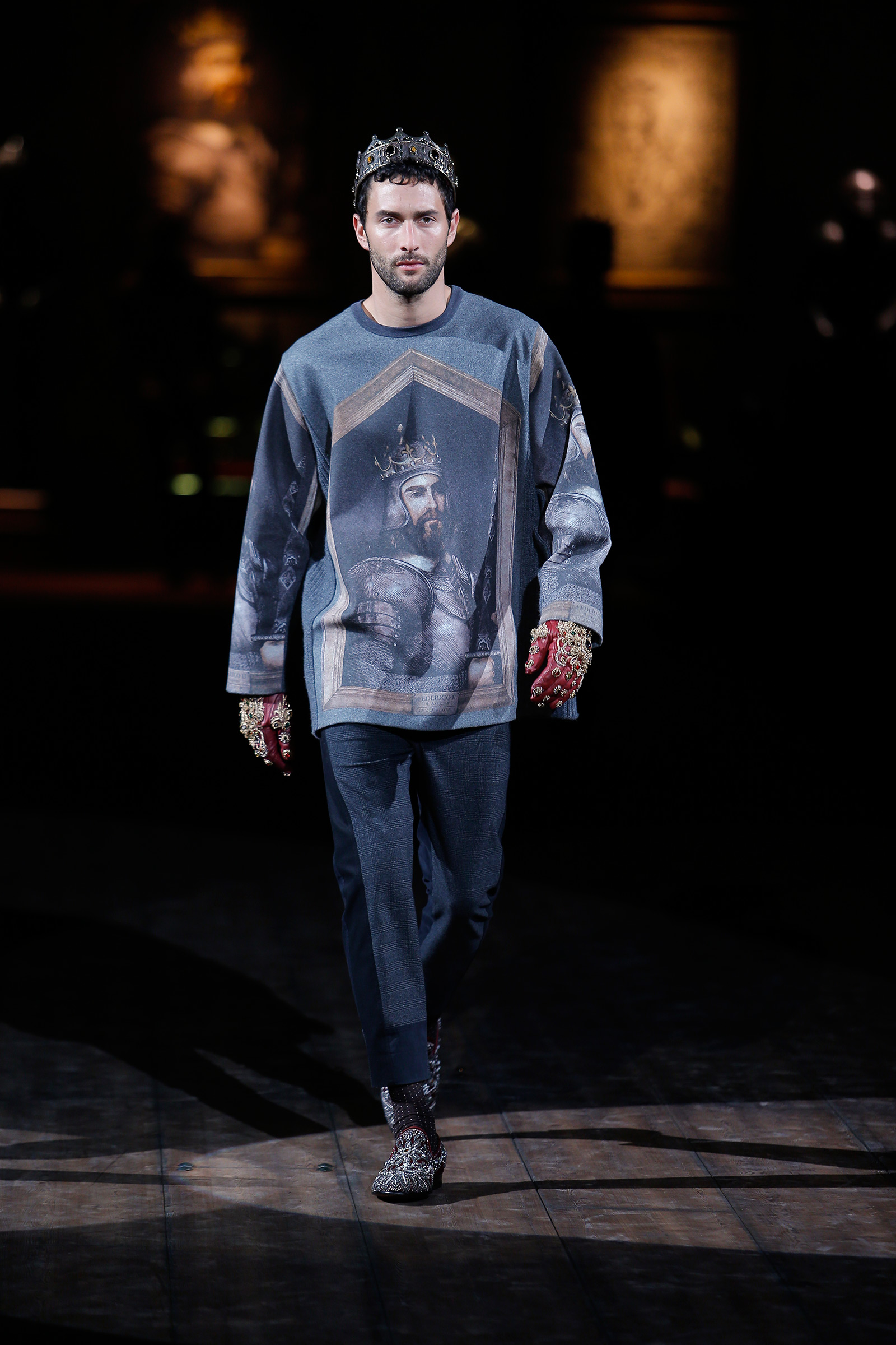 dolce-and-gabbana-fw-2014-2015-men-fashion-show-runway-04
