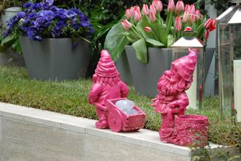 Nanetti rosa nel giardino di Patrizia Pozzi! - foto Davide Forti