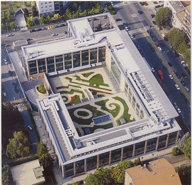 La sede de L'Oreal Italia, vista dall'alto - Foto di proprietà dello Studio Pozzi