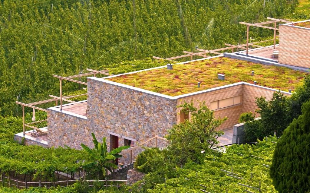 11) Progettato da Matteo Thun, il residence La Pergola a Lagundo (Bz), il paese-giardino