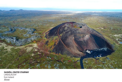 °SAXHOLL-CRATER-STAIRWAY,-LANDSLAG-EHF-dall'Islanda-(vincitore-del-premio-R.-Barba)