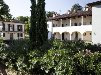5) Borgo di Mustonate, parte delle Foresterie dei Piaceri campestri