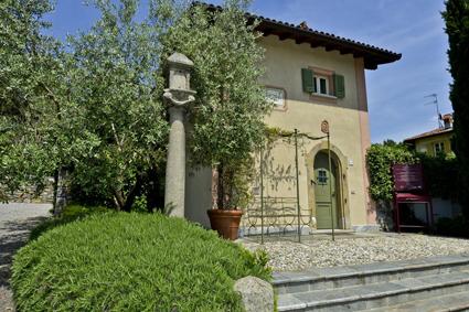 8) Una palazzina-suite del Borgo di Mustonate