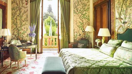 Four Seasons Firenze, la suite  Volterrano, con carte da parati cinesi dipinte a mano nell'Ottcento