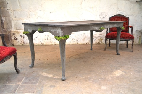 Terraform Queen Anne Table