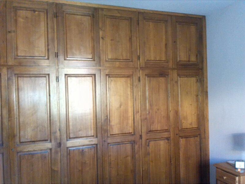 Effetto decap una nuova vita per i vostri mobili restaurando blog casa design - Dipingere un mobile di legno ...