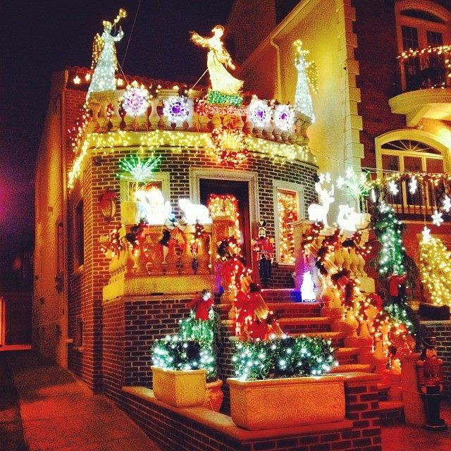 Natale all 39 estero tripudio di luci e decorazioni a new for Immagini new york a natale
