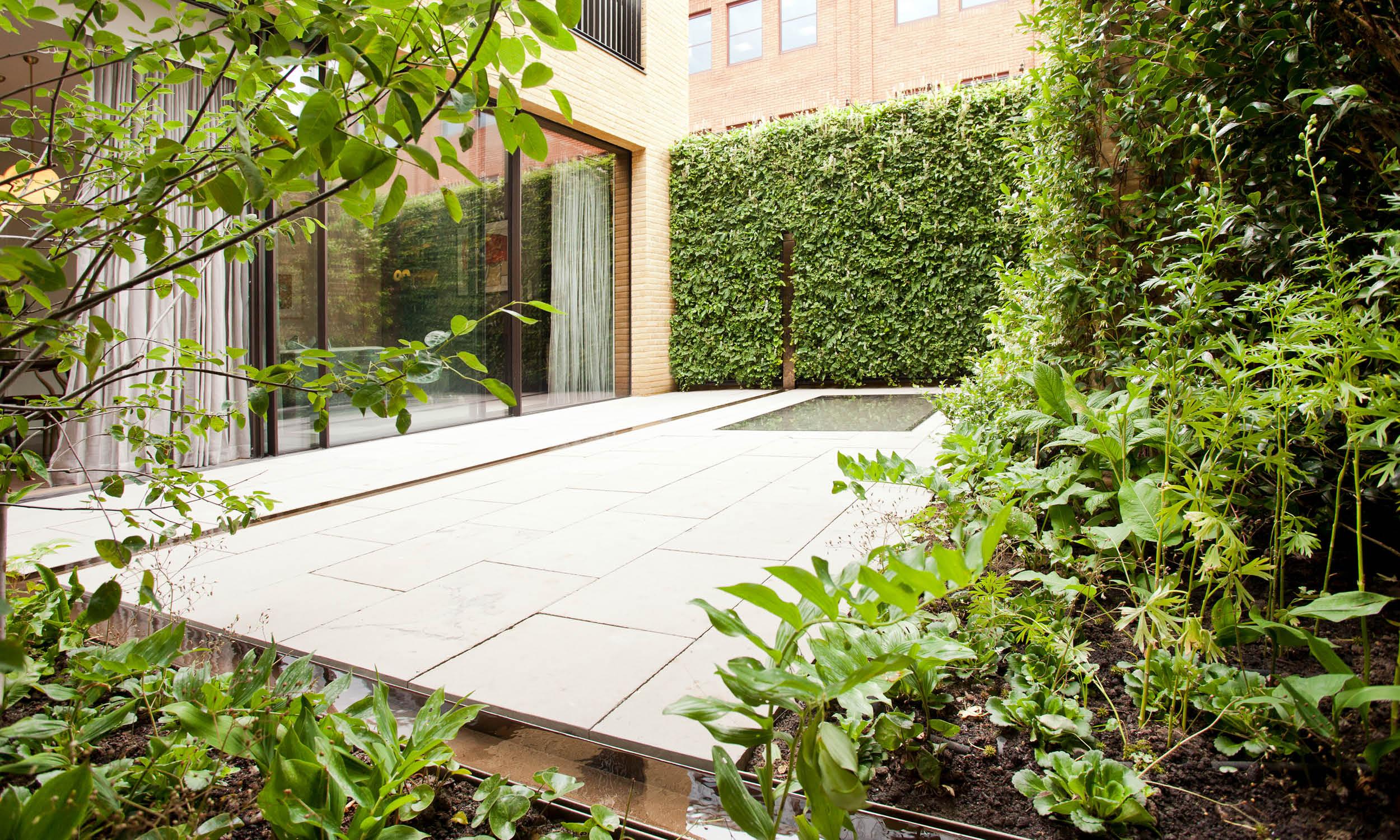L 39 ultimo lavoro di stefano architetto green a londra for Raccordo casa verticale