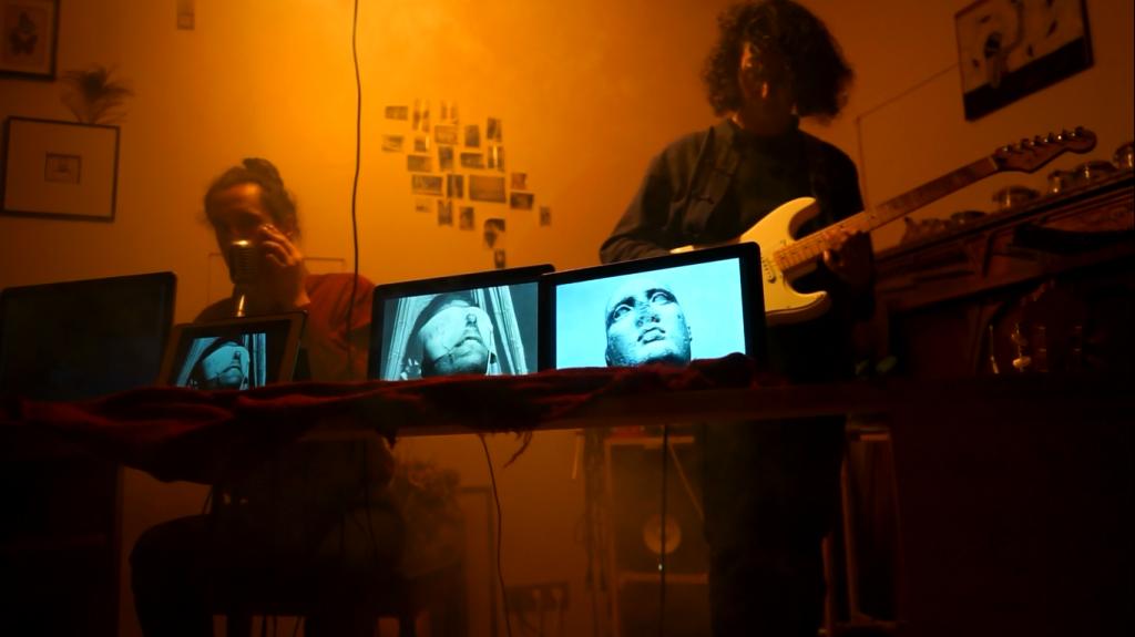 A Parigi, durante « Puisque l'avenir », performance su La Jetée di Chris Marker, con Jérémy Zaouati (2017)