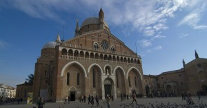 piazza-e-basilica-del-santo-padova
