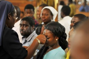 1329952409-nigerians-attend-church-on-ash-wednesday--abuja_1070284