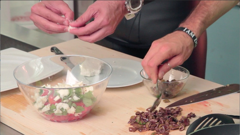 Mike Maric_pomodori feta basilico olive