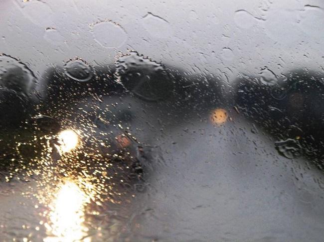 pioggia-auto-03