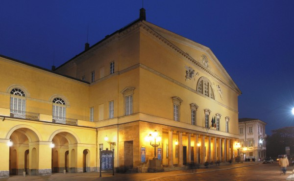Teatro Regio di Parma notturna