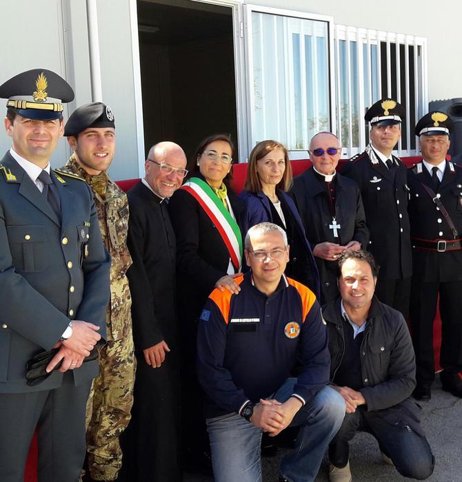 Monsapietro Morico, donata nuova struttura per una Chiesa accanto ai container