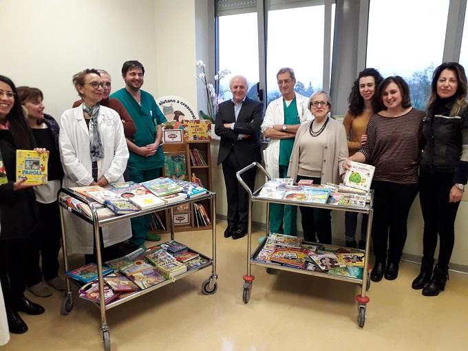 foto donazione libri