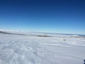 paesaggio antartico tra terra e mare