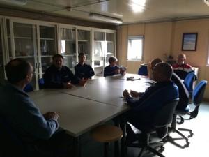 Giorno 38 - In sala riunioni prima che arrivi tutto il personale e abbia inizio il briefing