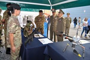 Gen Mirra. Cte Pinerolo - Gen Madeddu, C.te CME 'Puglia' allo stand (1)