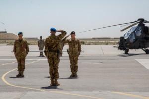Onori ai Comandanti a SX il Generale di Brigata Giovanni Parmiggiani