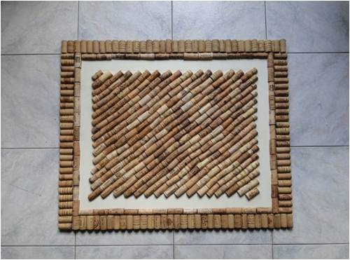 bacheca ricavata da tappi di sughero riciclati
