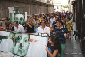 Manifestanti a Capua contro la violenza sugli animali