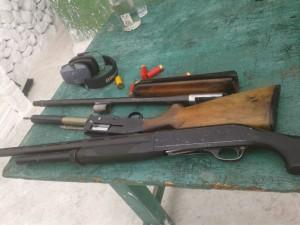 Nascosti in un locale di Palmarola sono stati rinvenuti dal Nipaf fucili, proiettili e trappole per l'uccellagione