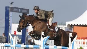 Come tanti altri cavalieri e esponenti del mondo equestre, anche il campione Alberto Zorzi chiede che venga ripristinata la norma secondo cui la Fise possa accogliere nei ruoli federali solo cavalli NON DPA-non destinati alla produzione alimentare.