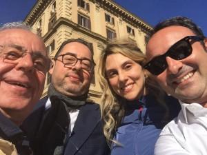 Gianni Pittella e Maria Anna Madia in Piazza del Popolo il 29 ottobre