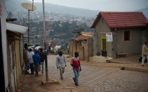 Strade pulite nella periferia di Kigali - Phil Moore / AFP / Getty Images 2014