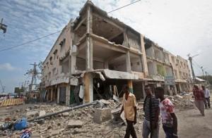 Palazzi di Mogadiscio sventrati dall'attentato di sabato scorso