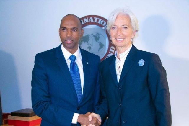 il PM somalo Hassan Ali Khayre  incontra a Washington D.C. Christine Lagarde presidente del FMI - Hiraanonline