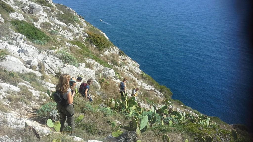 trekking e mini corso di arrampicata con Salento Bici tour nel parco di santa maria di leuca foto di cristina favento©