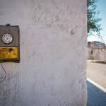 Telefono a gettoni in ceramica (ph Nicole Blommers) - Grottaglie