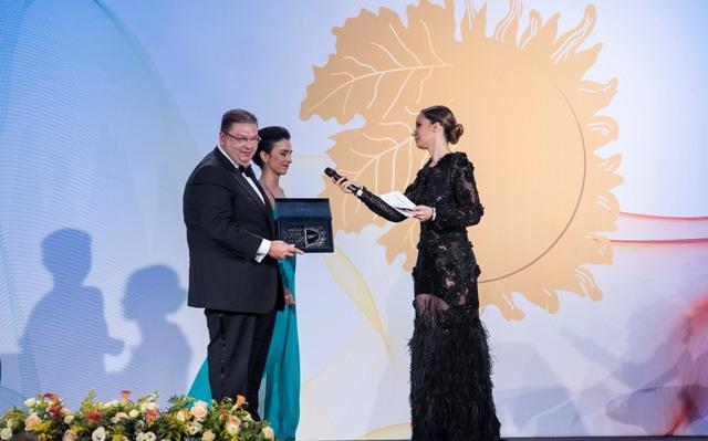 Premio miglior ristorante Bibenda ritirato da Antonio Del Curatolo