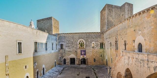 Il castello di Gioia del Colle dove si svolge l'evento dedicato all'arte casearia gioiese