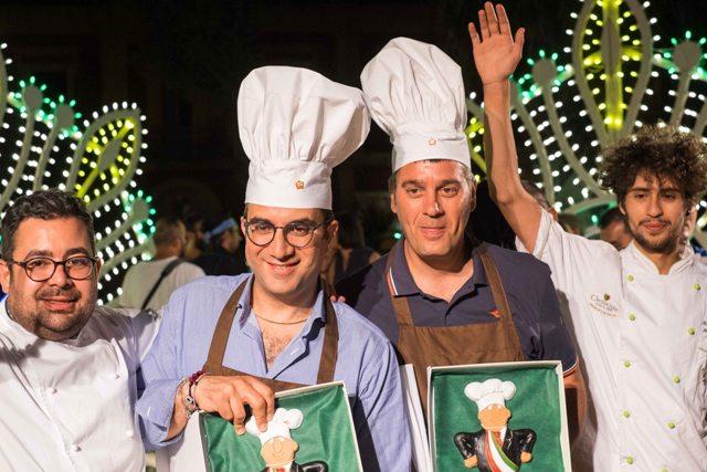 Sindaci e chef vincitori della quinta edizione, da sinistra Cosimo Russo, Giovanni Gugliotti, Ivan Stomeo e Marcello Miacola