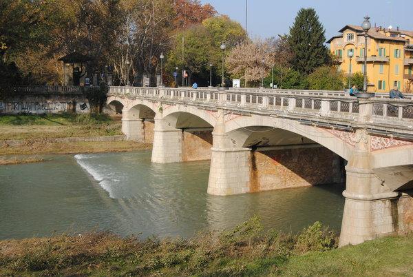 I ponti sulla parma 1 la parma di gi blog parma for Foto di ponti coperti