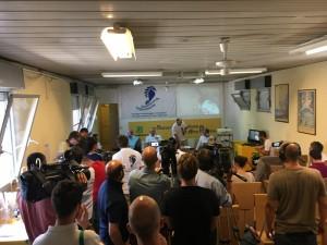 La conferenza stampa finale