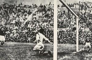 Il gol di Schiavio in Italia-Cecoslovacchia, finale del '34