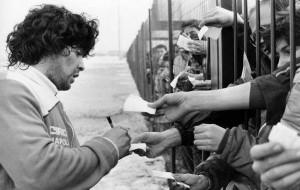 foto tratta dall'account Twitter Maradona Retro Pics