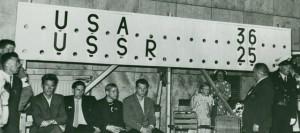 Il tabellone della finale di basket a Helsinki 1952